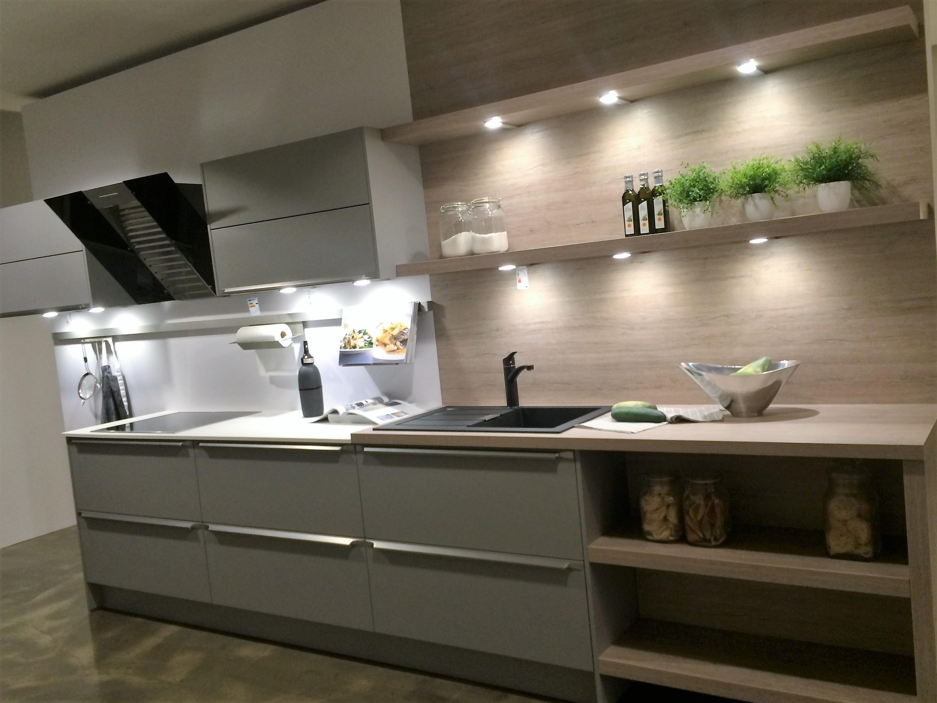 günstige musterküche - zweizeilige küche von häcker - erhältlich ... - Küche Zweizeilig