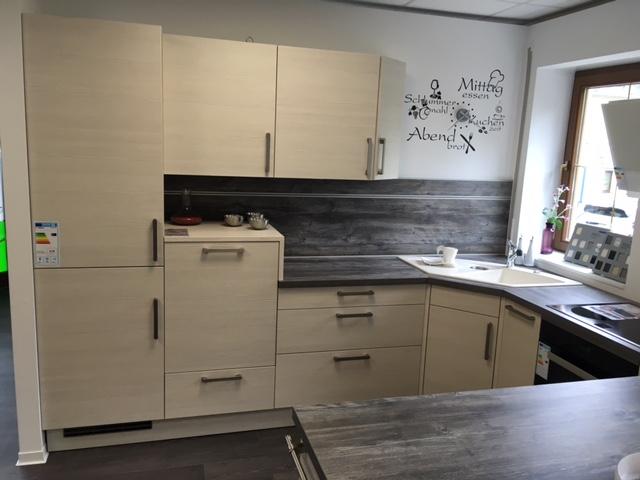Günstige Musterküche Küche In U Form Von Schüller Erhältlich In