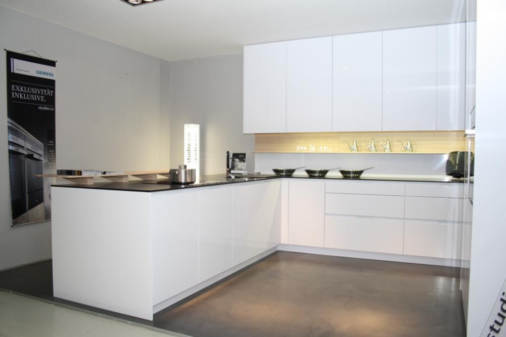 Küchen Modern L-form : Küche in L-Form von RATIONAL