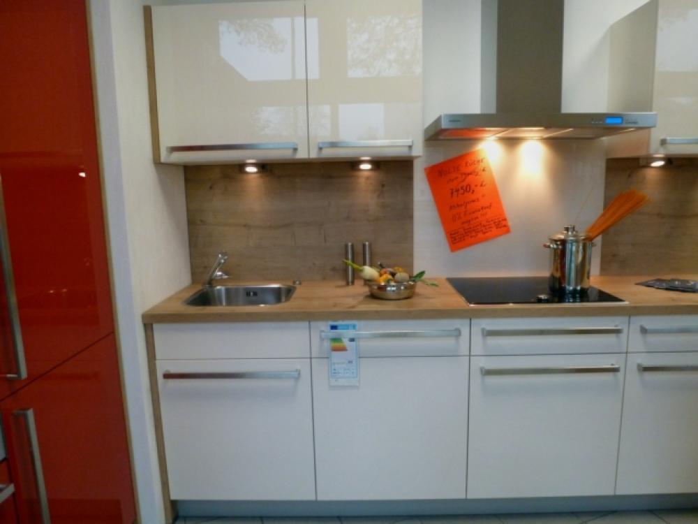 Günstige Musterküche - Zweizeilige Küche von Nolte - erhältlich in ... | {Nolte küchen magnolia hochglanz 16}