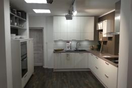kchen musterkchen und kchenmbel angebote im abverkauf. Black Bedroom Furniture Sets. Home Design Ideas