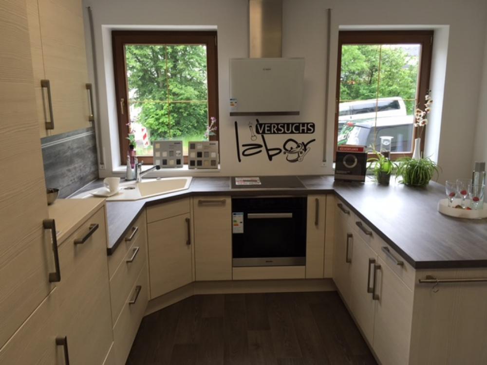 Küche in U-Form von Küchenengel Nico Tschou - Foto  2