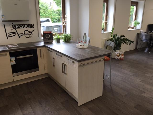 Küche in U-Form von Küchenengel Nico Tschou - Foto  3